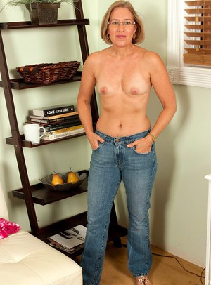 Nude Mature Jeans Pics