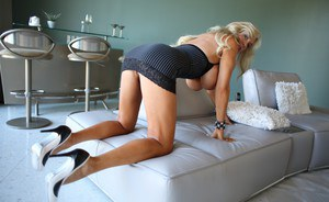 Nude Mature Housewives Pics