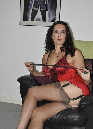 Nude Mature Whip Pics