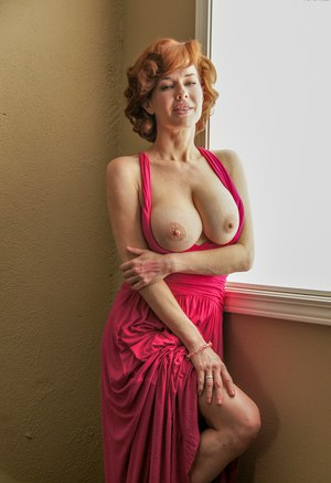 Nude Busty Mature Pics