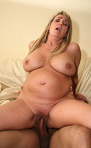 Nude Mature Cowgirl Pics
