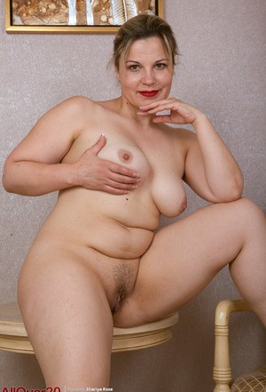 Nude Mature Chubby Pics